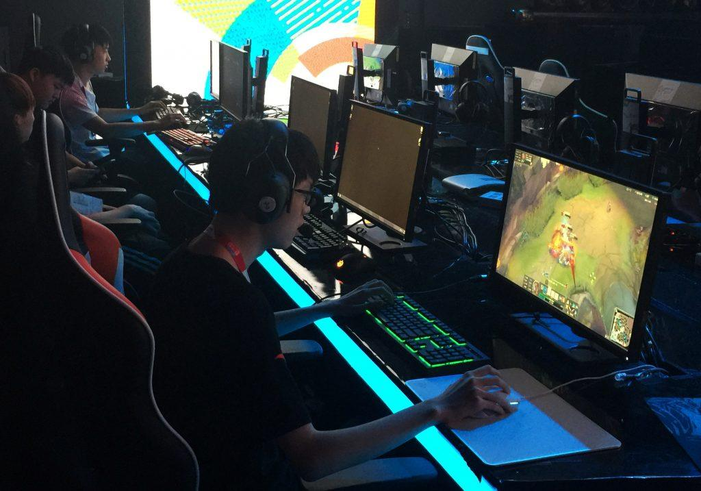 Bill seeks $500,000 for school video game competitions