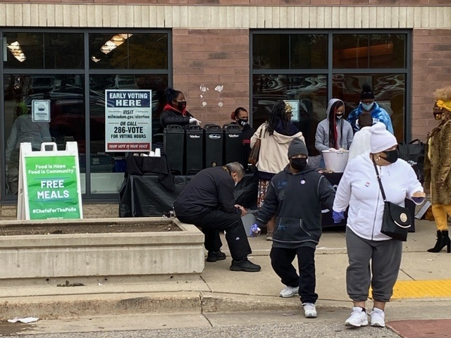 Free food at Milwaukee voting sites breaks election law